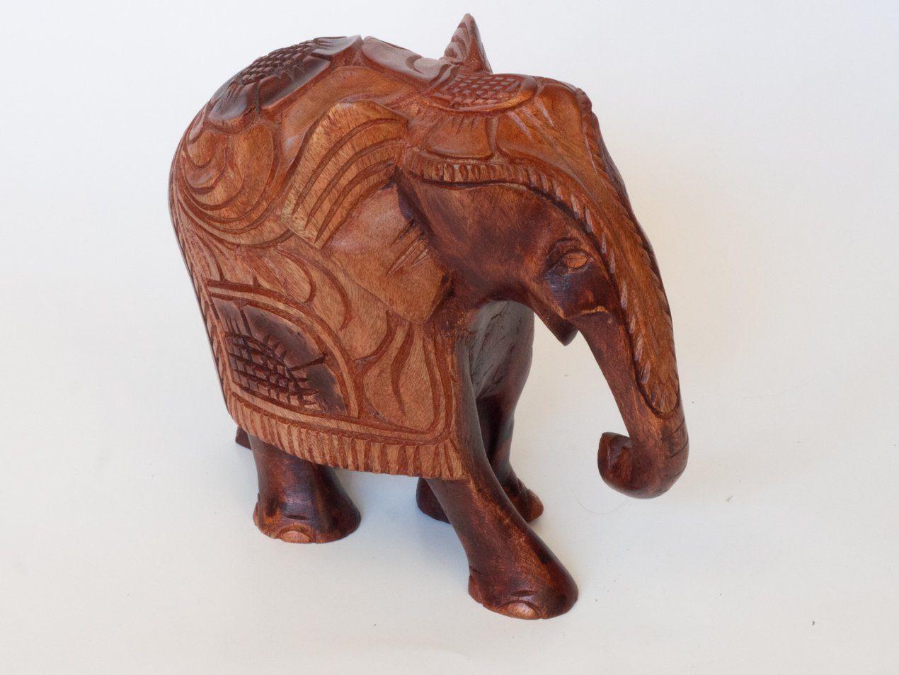 Talla en madera elefante asiático