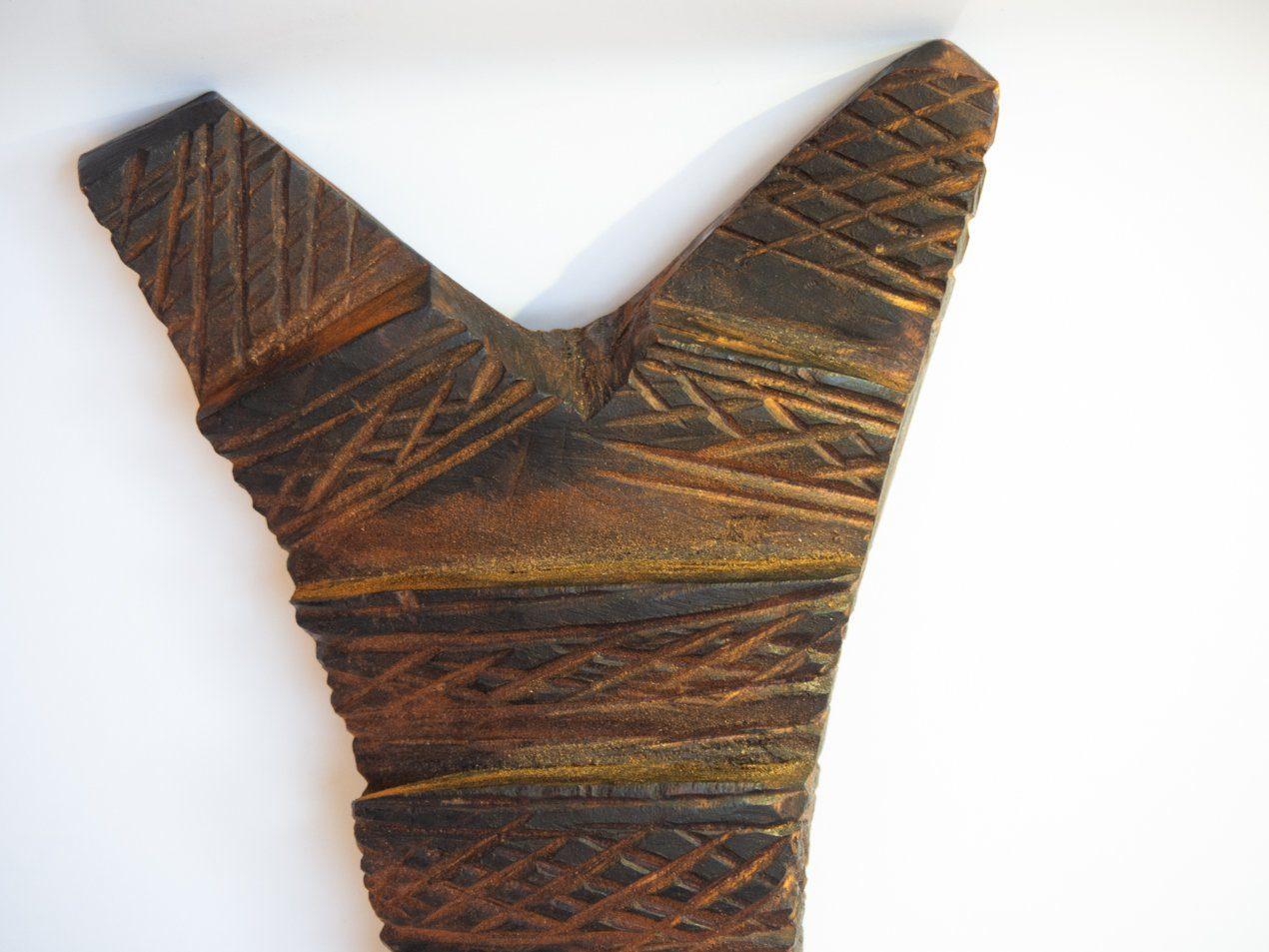 Talla de madera escalerilla africana: Tipo: cuenco de cerámica. Procedencia: artesano local en Djene, Mali. Tamaño: 15cm.