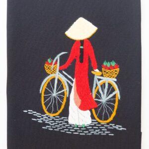 Bordado de hilo con imagen de vietnamita en bici con áo dài rojo